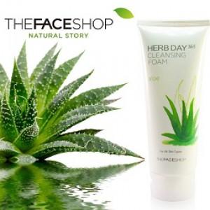 sua-rua-mat-Herb Day-365-Cleansing-Foam-Aloe-TheFaceShop-nha-dam-lotteshop